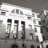 Le scuole Diaz frequentate a fine anni '40 da Fabrizio e diventate nel 2001 il luogo della cieca violenza del potere