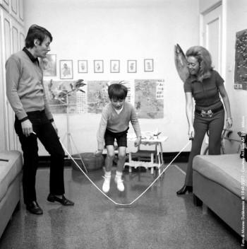 Fabrizio con la moglie Puny e il figlio Cristiano, Genova 1968