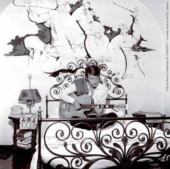 Fabrizio nella sua camera di Villa Paradiso, Genova 1969-70