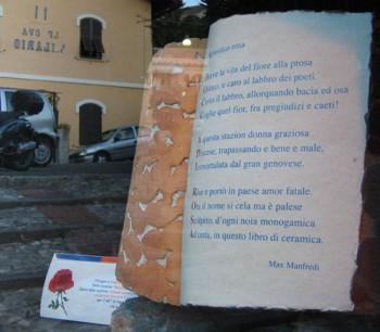 Testo «Acrostico rosa» di Max Manfredi. Acrostico di «Bocca di rosa», Genova, Sant'Ilario, 2005