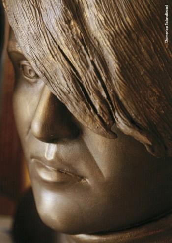 Domenico Sciandivasci, «L'aedo del '900», terracotta dipinta, 2008. Opera esposta nella mostra personale di scultura «Volti della memoria?»